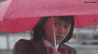 i like her umbrella