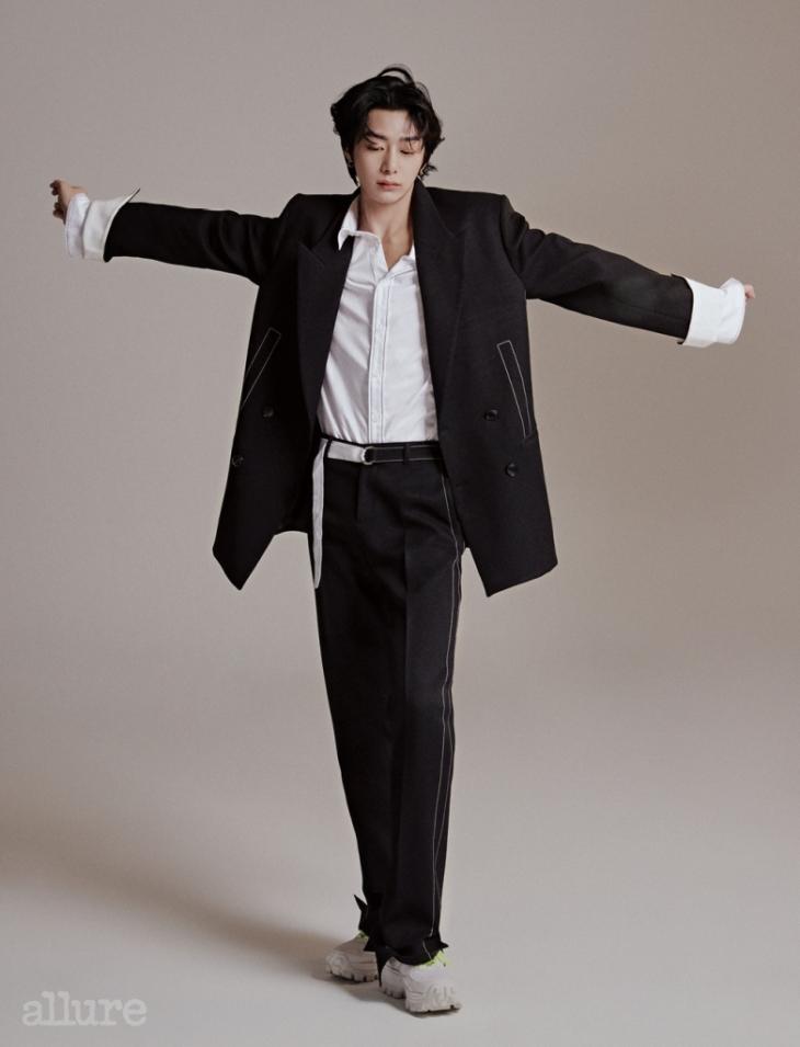 hyunwon allure 6